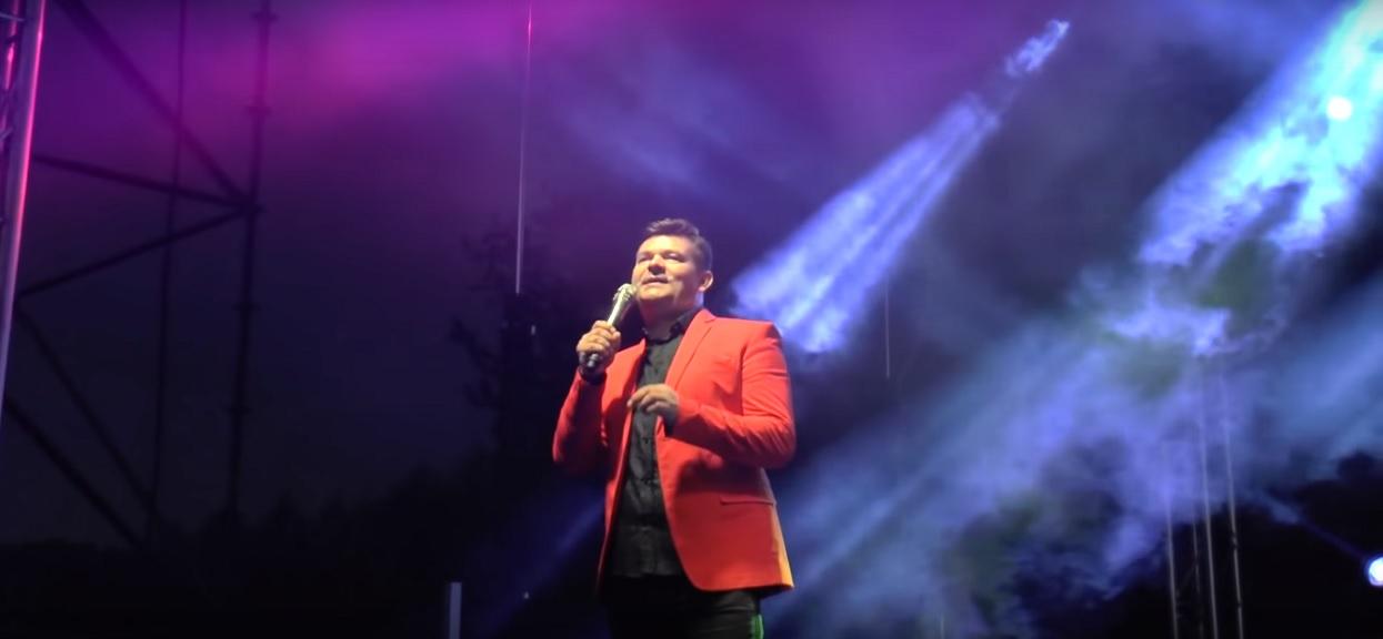 Niesamowite wydarzenia na scenie na żywo na wizji TVP. Zenek Martyniuk właśnie daje czadu