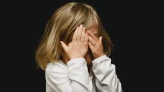 Córeczka bawiła się ładowarką do telefonu. Nagle mamie ukazał się mrożący ciało widok