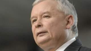 Kaczyński miał w szpitalu nieoczekiwanego gościa, to bardzo bliski członek rodziny. Co się dzieje z prezesem PiS?