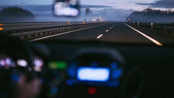 Kierowca dziwne zachowanie