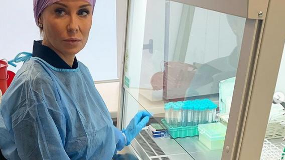 Małgorzata Rozenek-Majdank w laboratorium in vitro