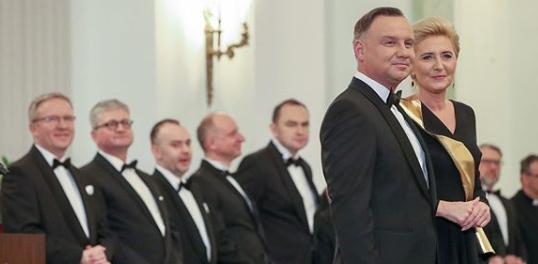 Andrzej Duda zamierza zmienić wygląd. Rozpoczął już przygotowania