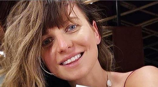 Nagle Anna Lewandowska zasłoniła ciążowy brzuszek. Dziwne zdjęcie trafiło do sieci