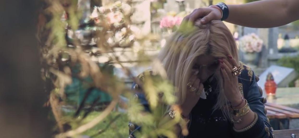 Przykro patrzeć na Dagmarę w żałobie. Nie żyje najważniejsza dla niej osoba, jej syn Conan wypowiedział piękne słowa nad grobem