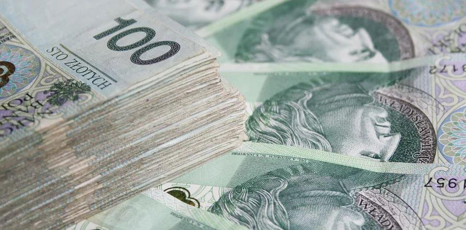 Wspaniała wiadomość, nawet po 300 zł więcej dla emerytów i rencistów. Musi zostać spełniony tylko jeden warunek