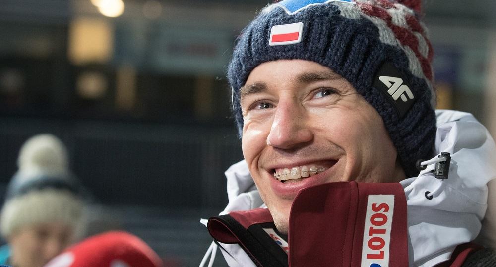 Kamil Stoch został pierwszym skoczkiem w historii, który w 10. roku z rzędu odniósł zwycięstwo w zawodach Pucharu Świata