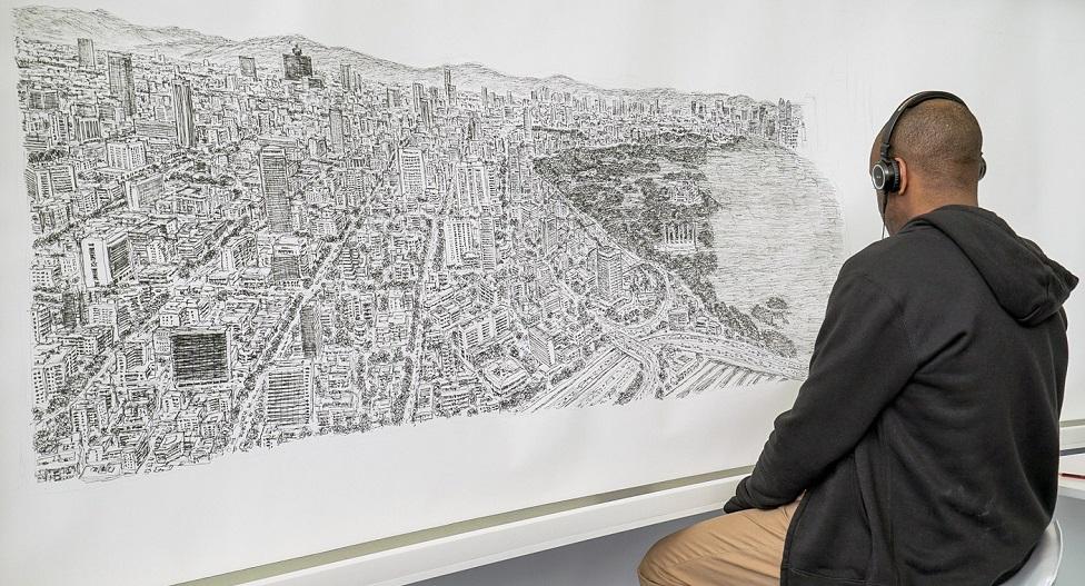 Autystyczny mężczyzna bezbłędnie narysował całe miasto tylko z pamięci