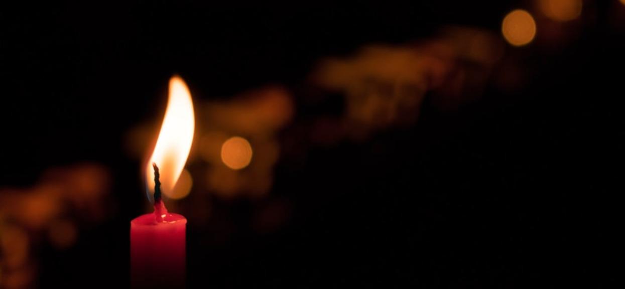 Wielu Polaków trzymało kciuki, ale operacja tuż przed Bożym Narodzeniem nic nie dała. Przyjaciele przekazali wiadomość o śmierci Józefa Jareckiego