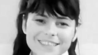 Umierała w zapomnieniu za granicą. Karin Stanek zmarła na chorobę, która może dotknąć każdego z nas