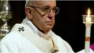 Papież Franciszek skomentował nagranie, na którym uderza kobietę. Wypowiedział krótkie, dosadne zdanie
