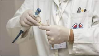 Wirusem 2019-nCoV można łatwo zarazić się przez wszędobylskie produkty z Chin? Epidemiolog ostrzega, radzi co robić