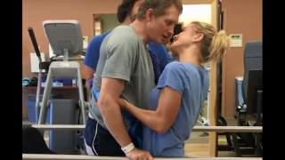 Został sparaliżowany na skutek wypadku. Po raz pierwszy stanął na nogi, aby pocałować swoją żonę