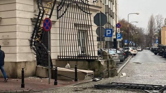 Andrzej Duda brama kancelarii