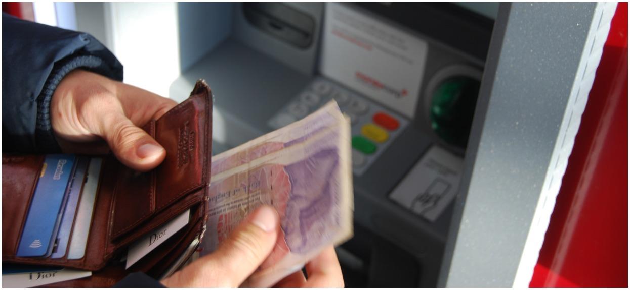 Fatalne informacje dla klientów, popularny bank będzie zamykał swoje placówki. Lepiej się przygotować