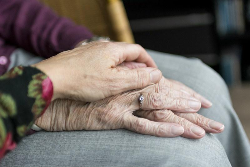 Umierający dziadek miał tylko jedno marzenie. Niewiarygodne, co zrobiła wnuczka, żeby je spełnić