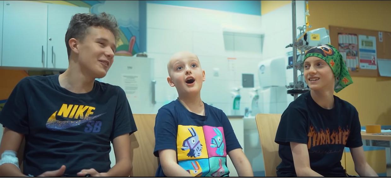 Porażające wideo. Dzieci chore na nowotwór nagrały swoją wersję największego hitu disco polo