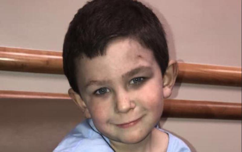 5-latek złapał za rękę 2-letnią siostrę i wyskoczył przez okno. Porażający powód, dramatyczne sceny wstrząsnęły mieszkańcami
