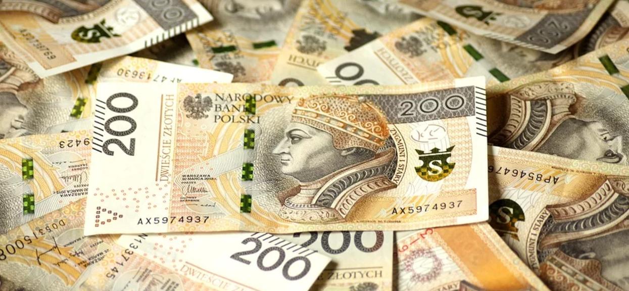Banki wydały komunikat, zawieszają klientom spłatę rat. Dotyczy klientów banków znajdujących się na liście
