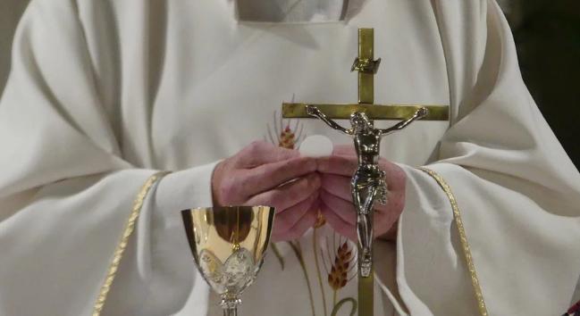Kryzys w kościołach w Polsce. Przez koronawirusa mają puste tace
