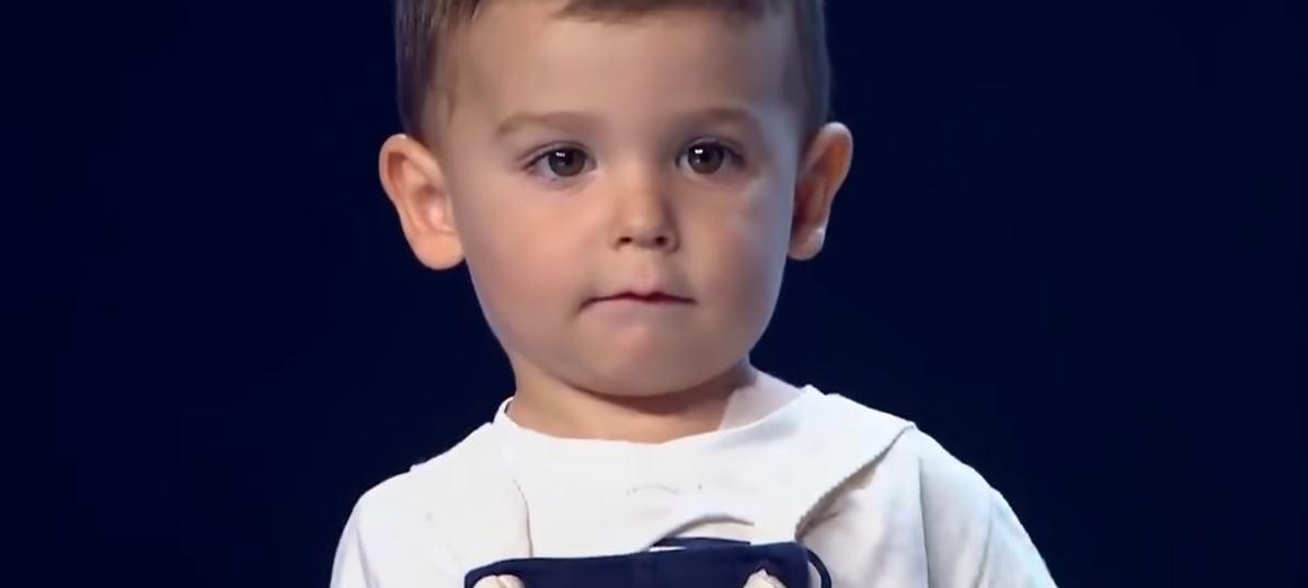 """2-latek wszedł na scenę """"Mam talent"""". Gdy pokazał co potrafi, wszystkim z wrażenia opadły szczęki"""