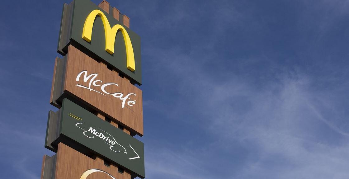 Podczas epidemii McDonald's wywołał aferę. Klienci oburzeni jak nigdy sposobem, w jaki zareagowali na koronawirusa