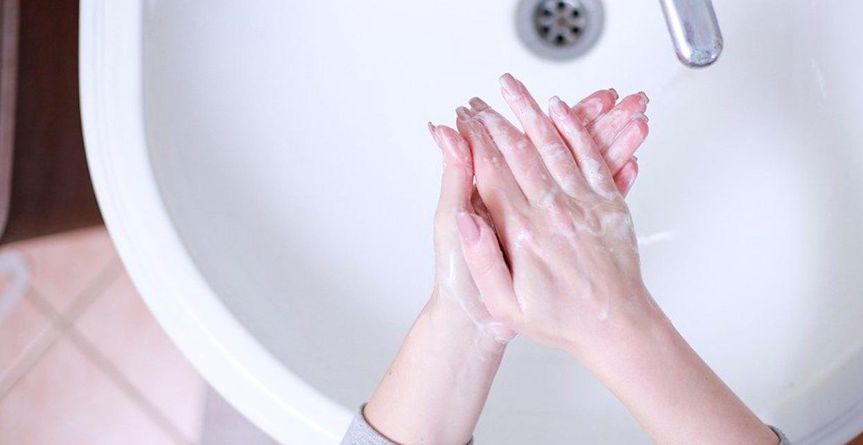 Myjesz teraz regularnie ręce? Nie wystarczy, nie wolno zapominać o jednej równie ważnej części