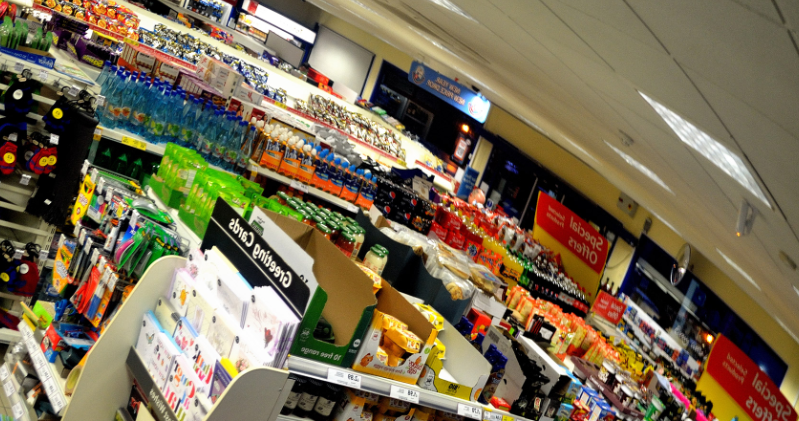 Skandal w polskim sklepie, chcą się dorobić na koronawirusie. Oburzające zdjęcia obiegły sieć