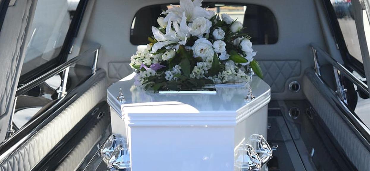 Zakłady pogrzebowe nie mają już miejsc, muszą zostać zamknięte. Fatalne informacje z Madrytu