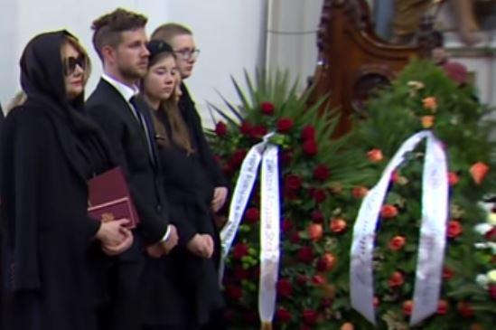 Żona i córka Pawła Królikowskiego po pogrzebie podjęły ostateczną decyzję. Ciężko uwierzyć