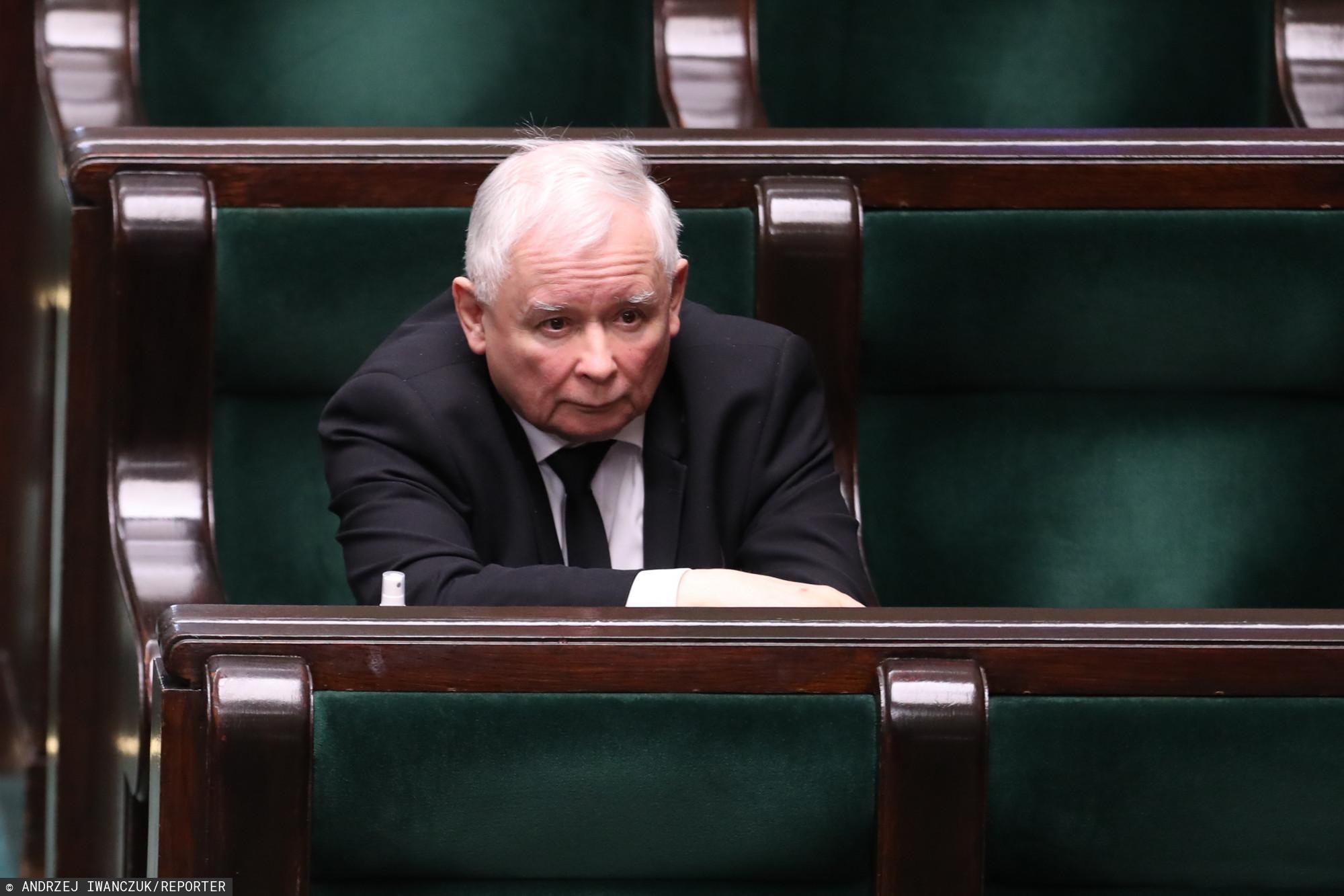 Pilne spotkanie w siedzibie PiS. Prezes Kaczyński nagle wezwał całe kierownictwo partii