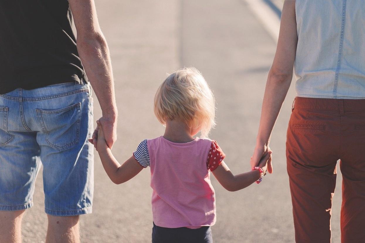 Nie mają litości dla rodziców. Zasiłek opiekuńczy nie dla wszystkich