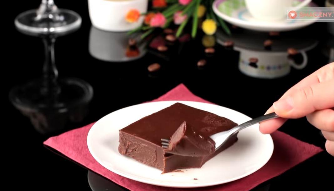 Ekspresowe ciasto bez pieczenia ma tylko 2 składniki. Smakuje rewelacyjnie i zawsze się udaje