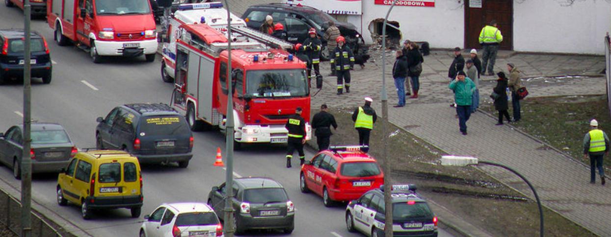 Porażające wieści z Polski, mężczyzna miał zawał za kierownicą. Nie udzielili mu pomocy, powód nie mieści się w głowie