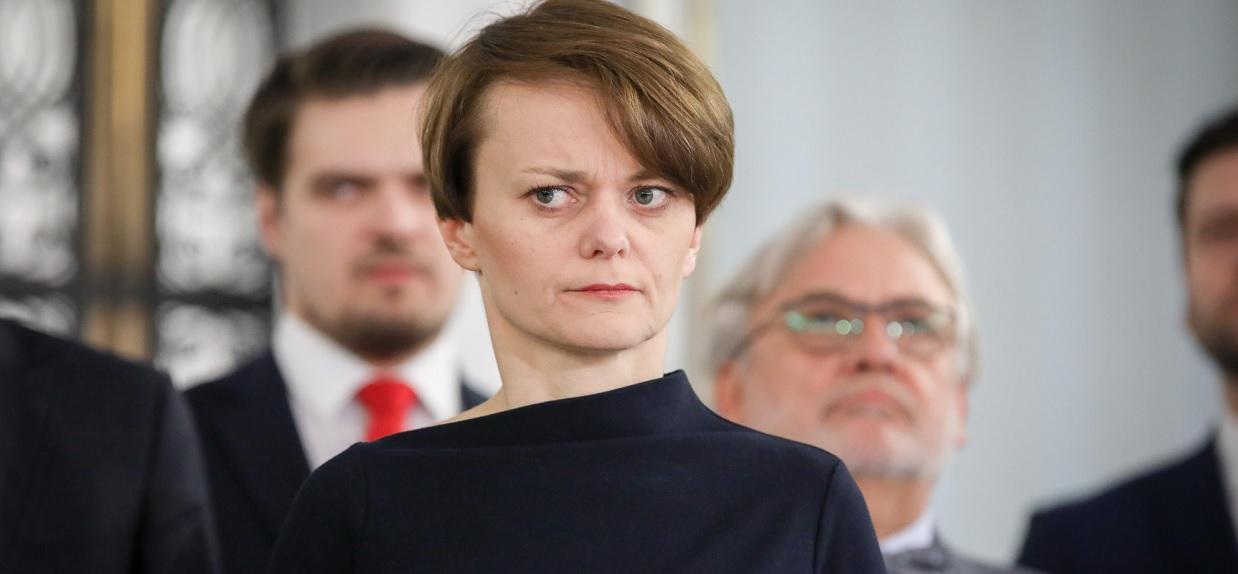 Minister wygadała się przed kamerami. Niektóre nowe zakazy mogą z nami zostać na zawsze