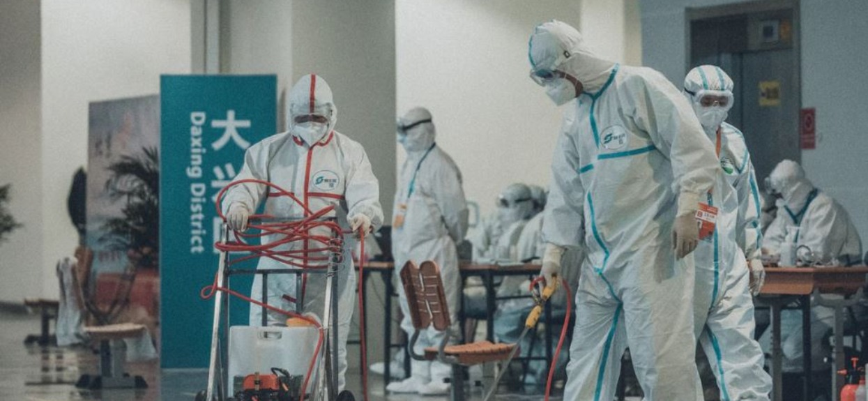 """Pandemia właśnie dotarła na """"koniec świata"""". Mieszkańcy drżą z obaw, mają tylko 3 respiratory"""