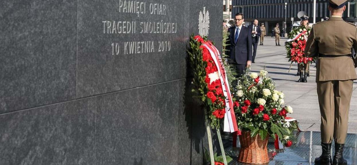 Dramatyczne wydarzenia pod Pomnikiem Ofiar Tragedii Smoleńskiej. Musiała interweniować policja