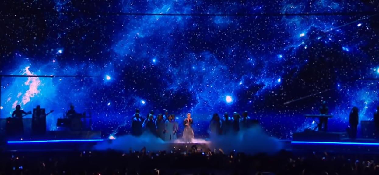 Uwielbiana wokalistka długo ukrywała prawdę przed światem. Dopiero teraz pokazała wynik testu 3-letniego synka
