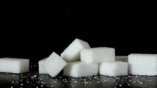 Postanowił odstawić cukier na miesiąc. Tego się nie spodziewał, 5 piorunujących zmian w jego życiu