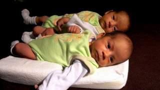 Bliźnięta urodziły się w czasie pandemii. Niewiarygodne, jak nazwali dzieci, skrzywdzili je?