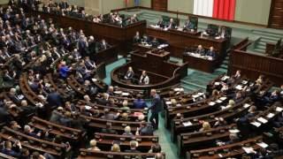 Polscy politycy i ich rodziny będą przyjmowani bez kolejki do szpitala. Niezwłocznie i bez skierowań