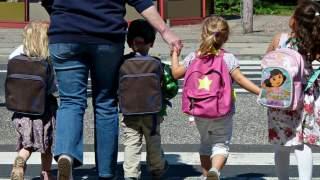Wiadomo, czy dzieci wrócą po świętach do szkół. Padł konkretny termin, rodzice są wściekli