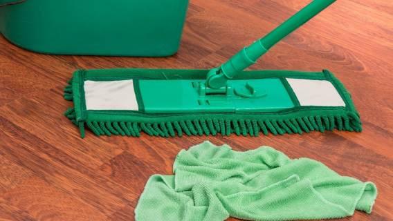 Domowe triki na mycie podłogi