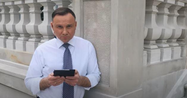 W transmisji na żywo prezydent Duda ujawnił rodzinny dramat. Jego bliski został niestety zakażony