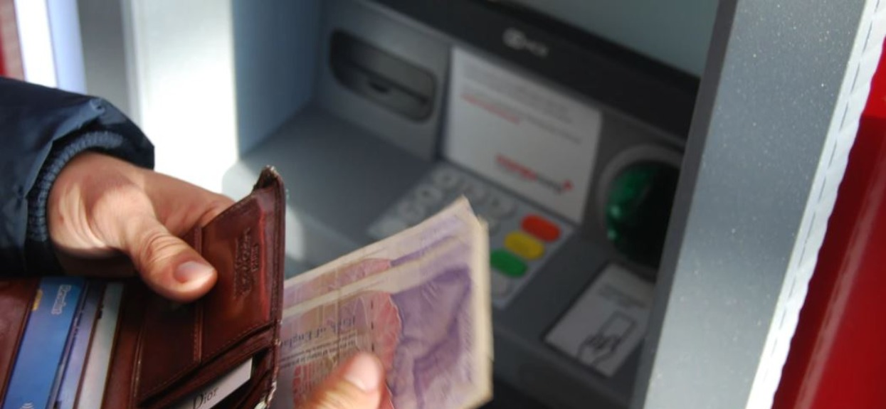 Banki w Polsce alarmują. Klienci odcięci od dostępu do swoich pieniędzy