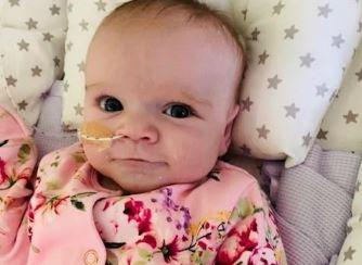 Przywitajcie Erin, sześciomiesięczną dziewczynkę, która pokonała koronawirusa