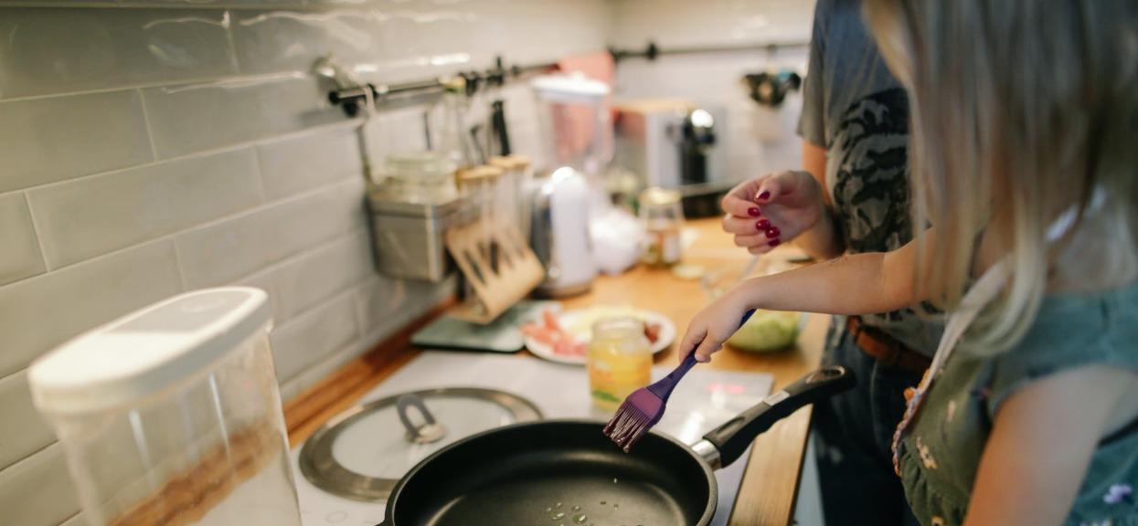Miliony Polaków używają jej codziennie w kuchni. Ma fatalny wpływ na mózg, lepiej zrezygnować