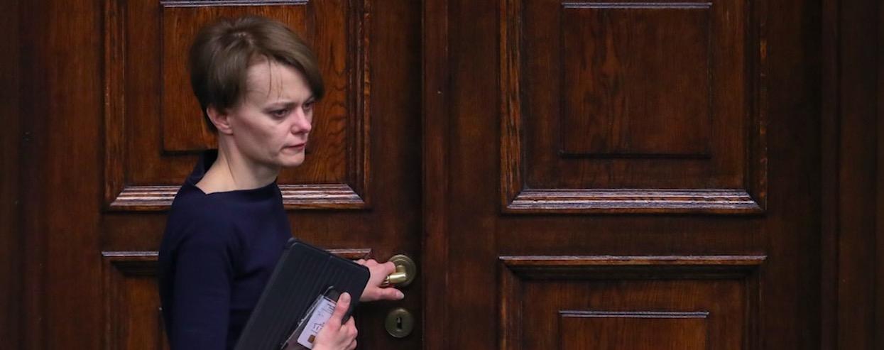 Minister Emilewicz wygadała się. Powiedziała, co może stać się w Polsce po 15 czerwca