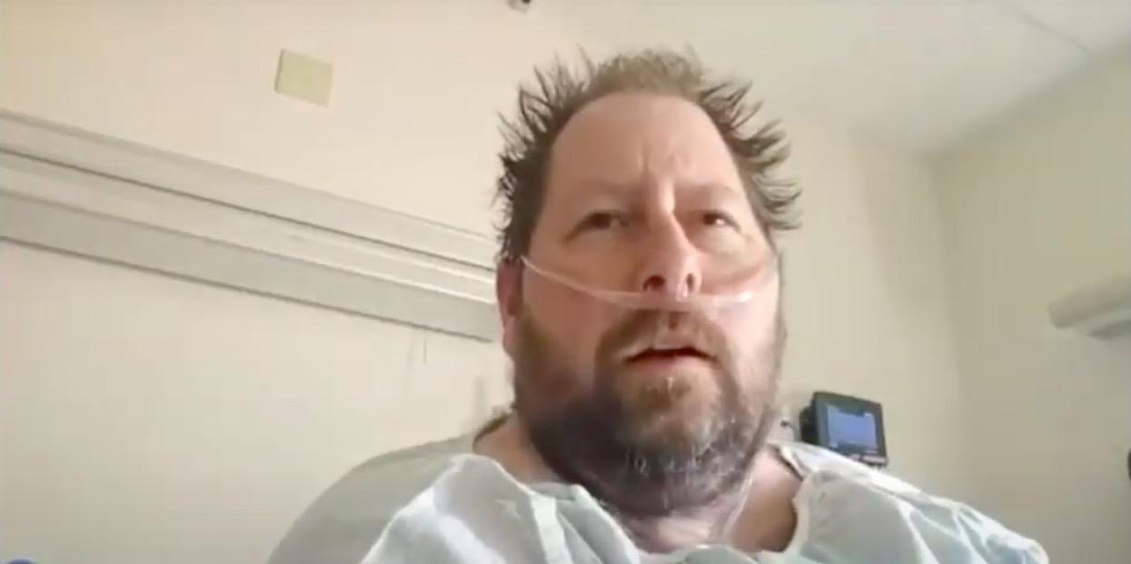 Twierdził, że koronawirus nie istnieje. Teraz ostrzega innych ze szpitalnego łóżka