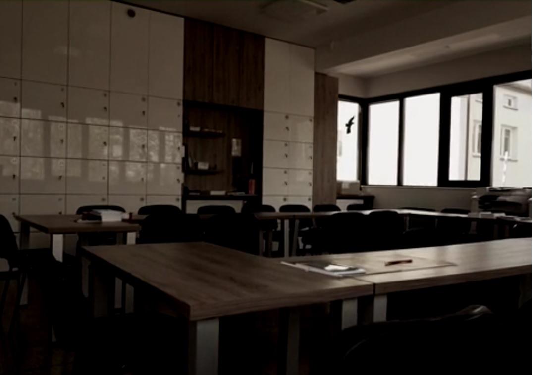 Nauczycielka usłyszała zarzuty po tym, jak uwiodła 14-letniego ucznia
