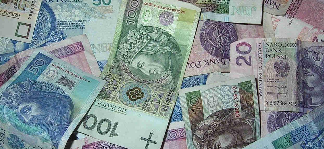 Rząd planuje wprowadzić nową opłatę. Sięgną do portfeli większości Polaków